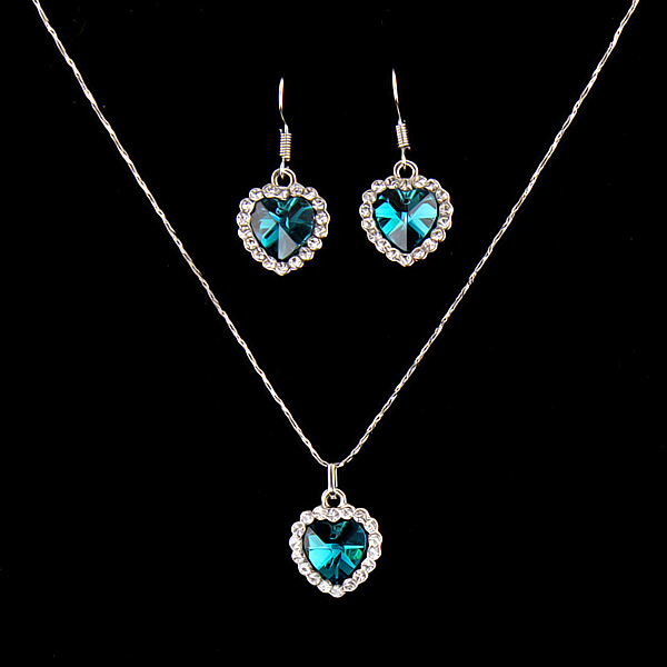 Heart of Ocean Jewelry necklace & 1 set of earring